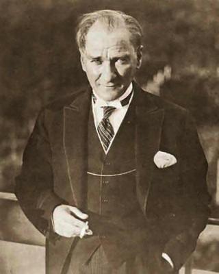 ATATÜRK (1881-1938)