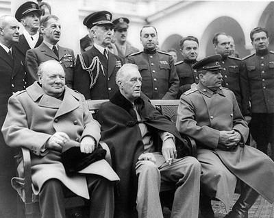 Los tres grandes en la ciudad soviética de Yalta, península de Crimea