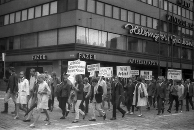 MANIFESTACIÓN EN HELSINKI, 1968