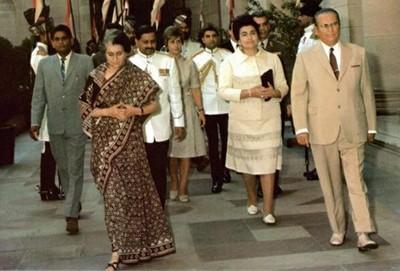 INDIRA GHANDI Y JOSEP TITO EN NUEVA DELHI 1971.